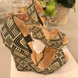 New!! Comfortable patterned wedge sandals from DSW